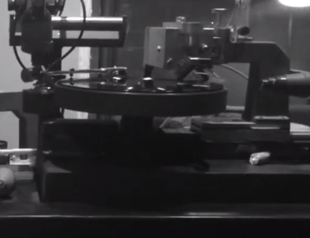 Video cutting vinyl LPR004